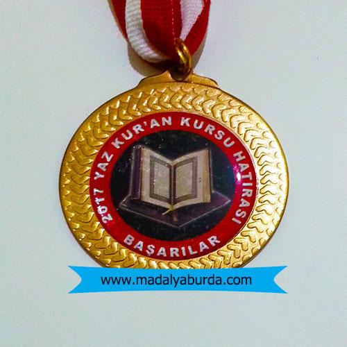 ayın-öğrencileri-kuran okuma madalyası