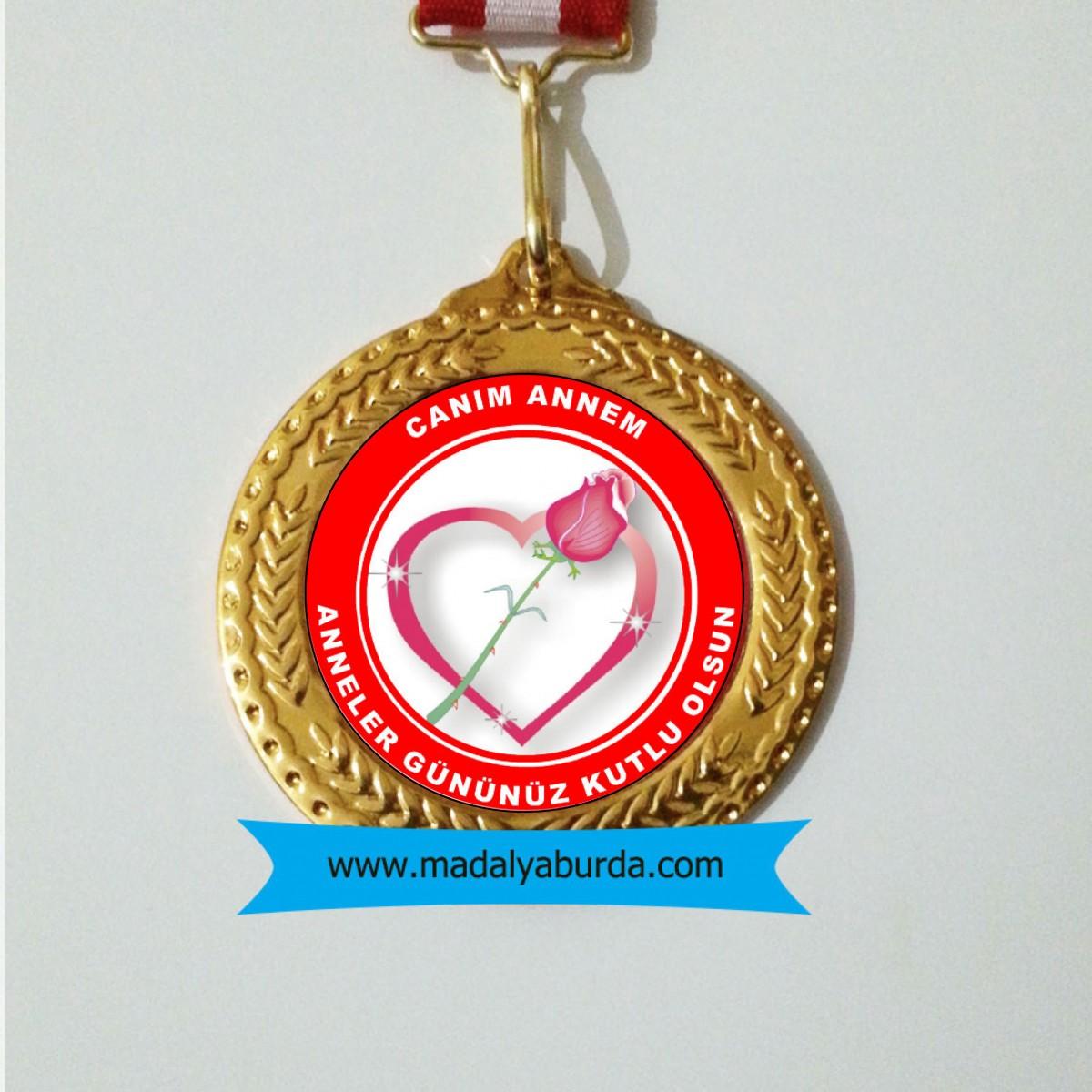 Anneler günü madalyası